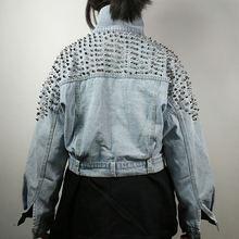 Светильник голубая Высококачественная джинсовая куртка с заклепками