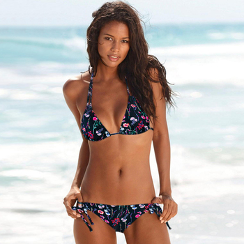 Classic String Bikini in Solid and Floral Patternes 4