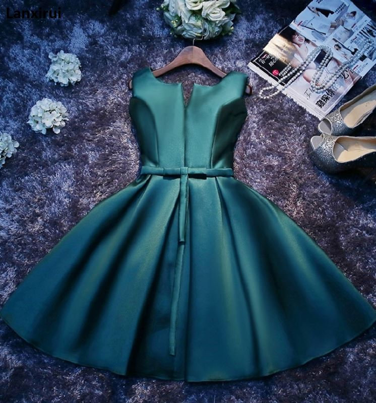 Fashion Dark Green/Blue Party Dresses Short Cheap Lanxirui Dress Scalloped Satin Lace-Up Built-In Bra Sexy Evening Party Gowns