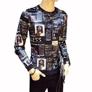 Роскошная мужская футболка с принтом, весна и осень, мужская спортивная одежда, газетная футболка с круглым вырезом, Мужская Удобная тонкая ...