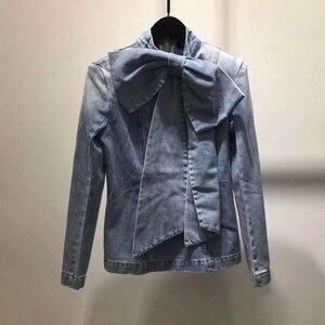 Image 3 - TWOTWINSTYLE Vintage Bowknot Denim Shirts Frauen Bogen Kragen Langarm Dünne Spitze Up Blusen Tops Weibliche 2020 Mode Flut