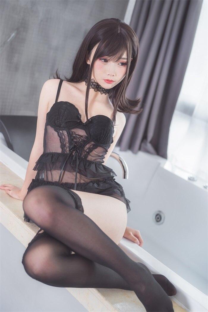 ★网红★面饼仙儿–脑内少女cos黑色束衣[13P/110MB]插图(1)