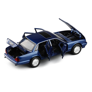 Image 4 - 1:32 maßstab Klassische Legierung Spielzeug Auto Metall Diecast Modell Sound Und Licht Pull Back Spielzeug Für Jungen Geburtstag Geschenke Jaguar XJ6 Kinder Spielzeug
