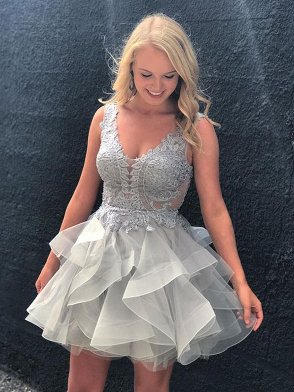 2020 Elegant Homecoming Dress A-Line/Princess V-neck Sleeveless Applique Short/Mini Tulle Dresses For Party