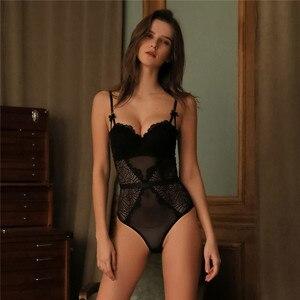 Image 2 - Fransız marka süper Push Up sütyen seti seksi dantel Bodycon kadın iç çamaşırı nakış Hollow korse pijama Onesies külot seti
