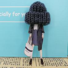 Moda broszka przypinki dla kobiet broszki śliczne dziewczyny modele kreskówki akrylowe broszki Kawaii pompon odzież biżuteria akcesoria tanie tanio DDZST Iron Anime Brooch for women Kobiety TRENDY Ribbon
