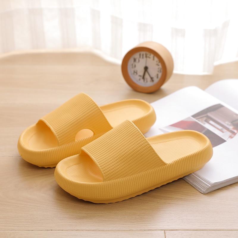 Pantoufles d'intérieur à semelle épaisse pour femmes et hommes, pantoufles de salle de bain, antidérapantes, douces EVA, chaussures d'été 5