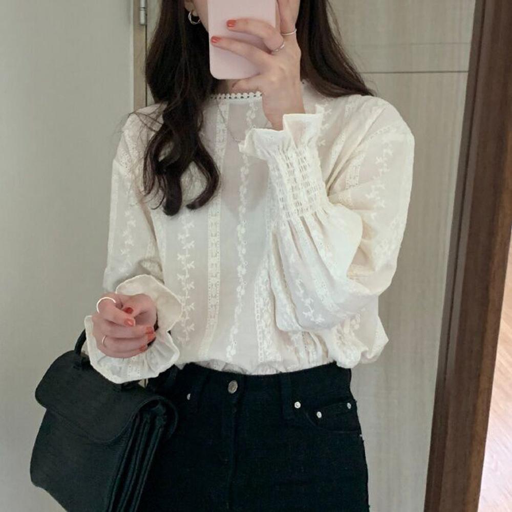 Women Sexy Mesh Blouse 2019 Fashion Ruffle Shirt Long Sleeve Lantern Sleeve Floral White Lace O-Neck Casual Tops Shirts Women
