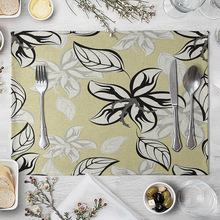 цена на Floral Flower Table Mat Vintage Placement Plant Linen Insulation Western Food Mat Floral Rectangular Fabric Placemat Coffee Pad