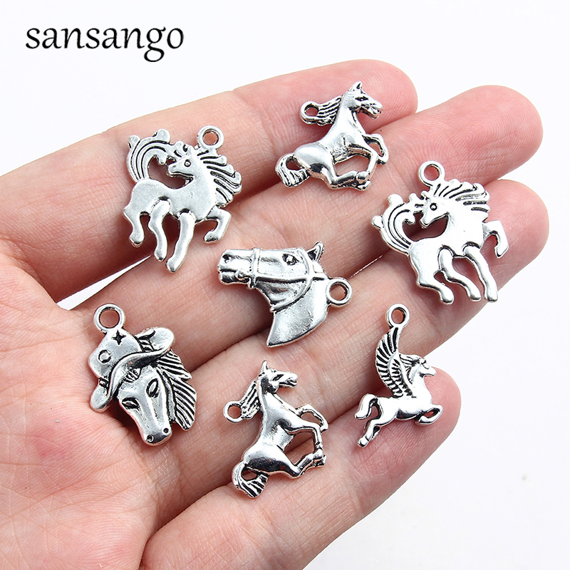Sheep Charm//Pendant Tibetan Antique Silver 18mm  8 Charms Accessory Jewellery