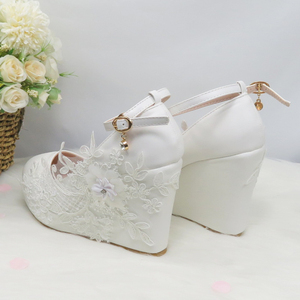 Image 5 - BaoYaFang לבן פרח משאבות חדש הגעה נשים חתונה נעלי כלה גבוהה עקבים פלטפורמת נעלי לאישה גבירותיי המפלגה שמלת נעליים
