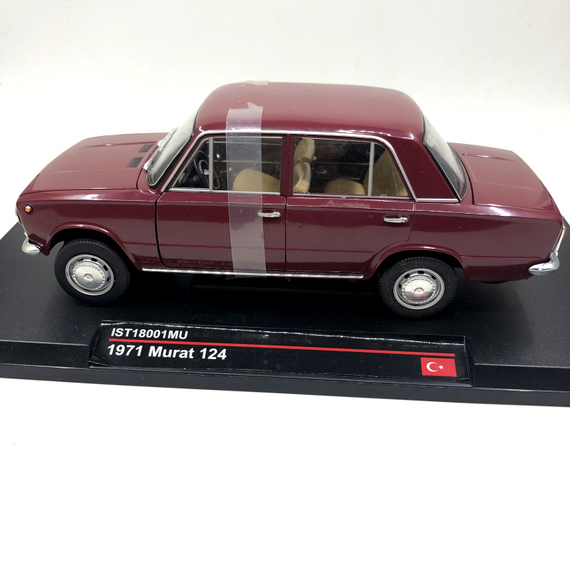 1:18 IST Lada1200 Fiat Murat124 Simulation Car Model 23cm