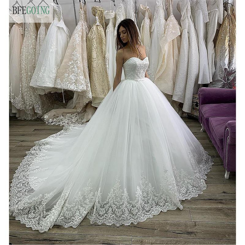 White Lace Tulle Sweetheart Strapless  Floor -Length Ball Gown Wedding Dress Chapel Train Custom Made