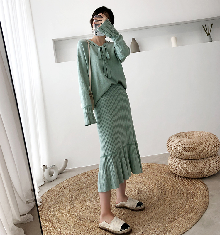 H7cd80a04c440429cac9c6749fa4d9272x - Autumn / Winter V-Neck Flare Sleeves Jumper and A-Line Midi Skirt