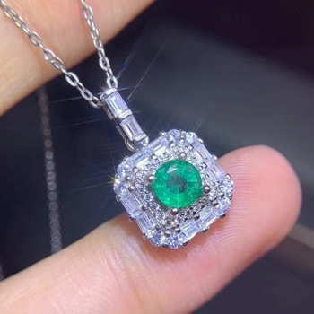 elegant simple small square Natural 5*5mm green Emerald pendant S925 silver Natural Gemstone Pendant Necklace girl party jewelry - discount item 17% OFF Jewelry & Accessories