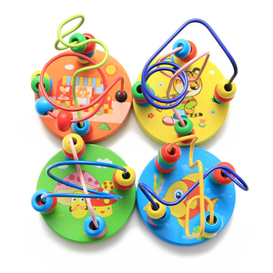 Image 3 - ベビー幼児教育素敵な動物ラウンドビーズ子供のおもちゃ新生児子供ベビーベッドベビーカー携帯モンテッソーリ 9*11 センチメートル