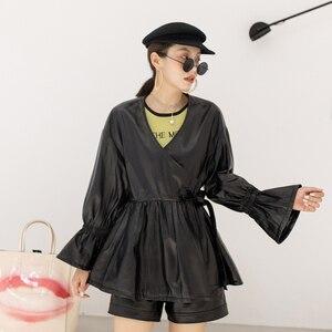 Image 5 - Женское короткое плиссированное платье, повседневная куртка из натуральной овечьей кожи в стиле Харадзюку, с расклешенными рукавами и V образным вырезом, 2019