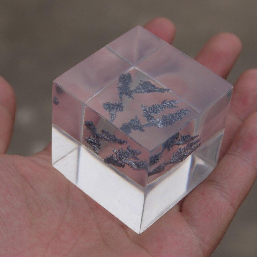 99.9% anadium scellé en résine transparente forme de branche métal dur V 50mm Cube métaux réfractaires rares pour la collecte des éléments