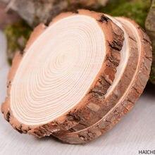 Необработанные круглые деревянные ломтики из натурального дерева