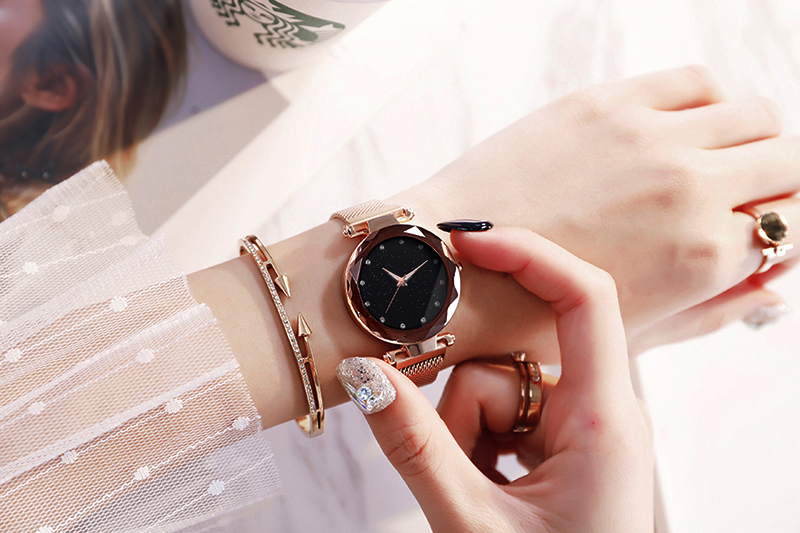H7d1cf710f28d498699ec31789b526a3f4 Luxury Women Watches Ladies Magnetic Starry Sky
