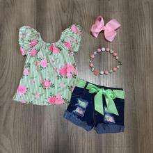 الصيف طفل الفتيات ملابس الأطفال الدنيم السراويل الضوء الأخضر الأزهار الأعلى نمط وتتسابق الكشكشة مجموعة المحلات التجارية مباراة الملحقات