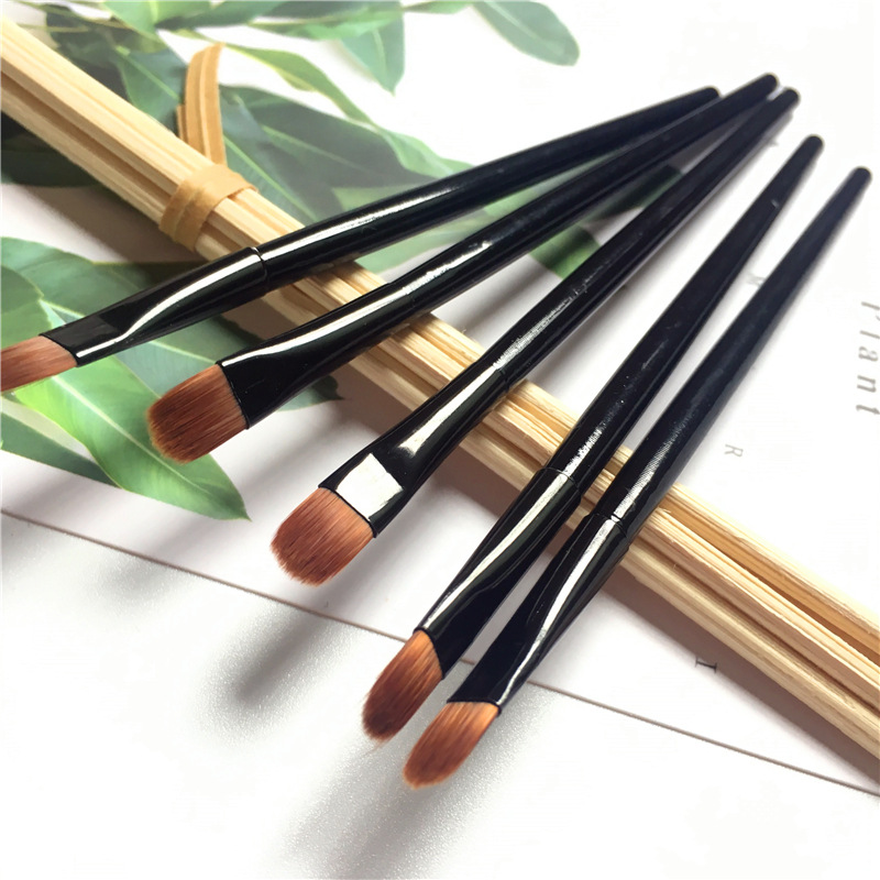5pcs Lip Eyebrow Brush Beauty Round Makeup Brush Smudge Eye Shadow Concealer Brush Eyebrow Comb Makeup Accessories