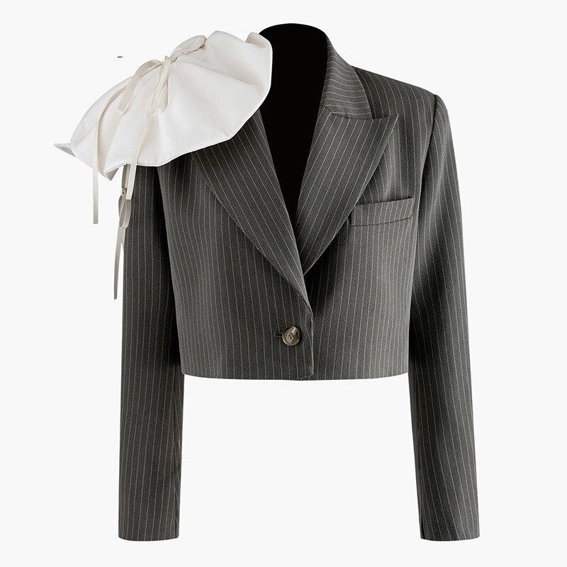 Women Three-dimensional Striped Short Blazer New Lapel Long Sleeve Loose Fit  Jacket Fashion Spring Autumn 2020 V529