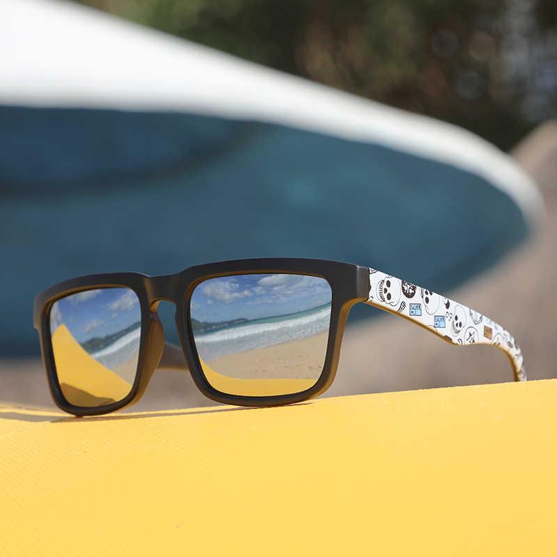 KDEAM lunettes de soleil polarisées à fonction accrocheuse pour hommes monture noire mate. Peinture Temples jouer-Cool lunettes de soleil avec étui