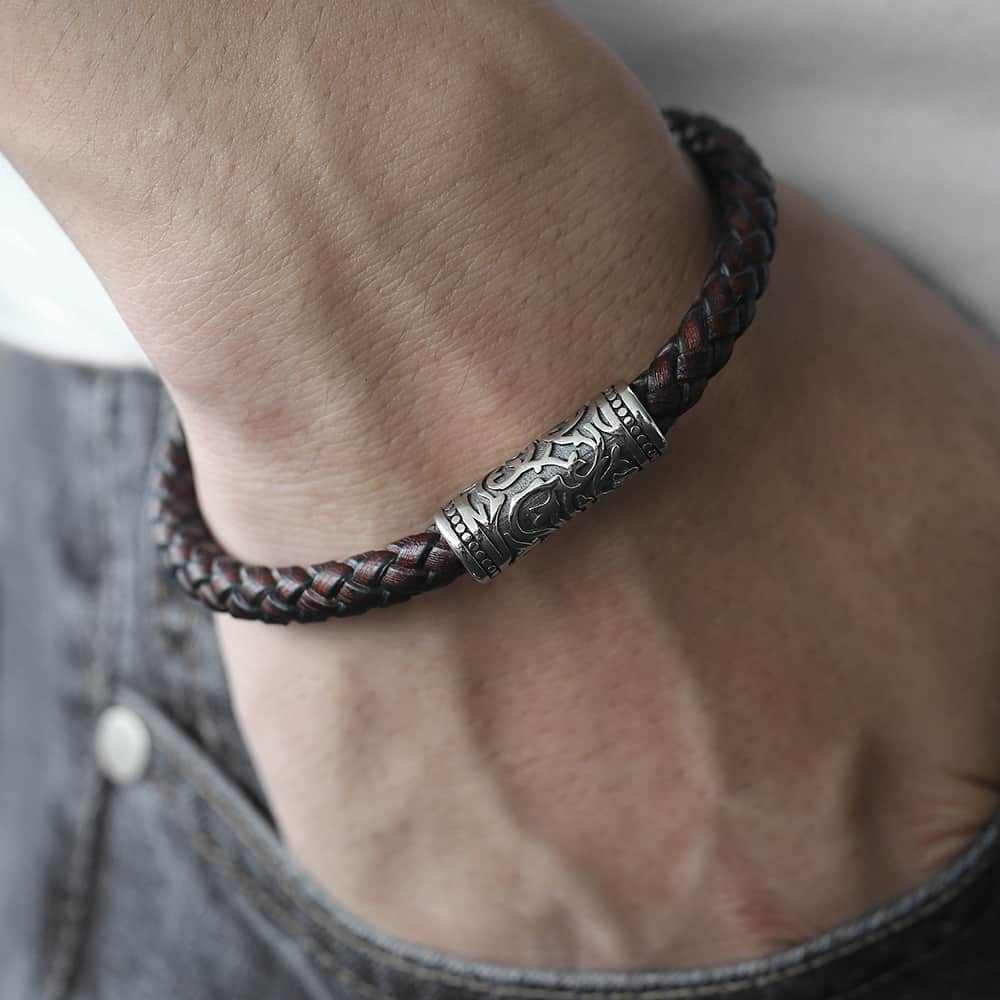 8 millimetri Braccialetto di Cuoio Intrecciato Per Gli Uomini del Ragazzo In Acciaio Inox Opaco Cinabro Polvere Wristband In Acciaio Inox Chiusura Magnetica DLB103