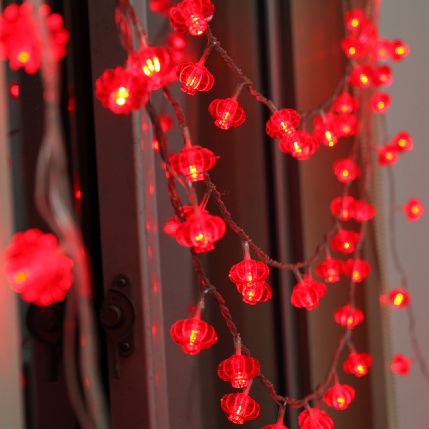 Behogar 118inch 30-LED Battery Operated Lantern String Lights For Chinese New Year Spring Festival Home Party Decoration Props