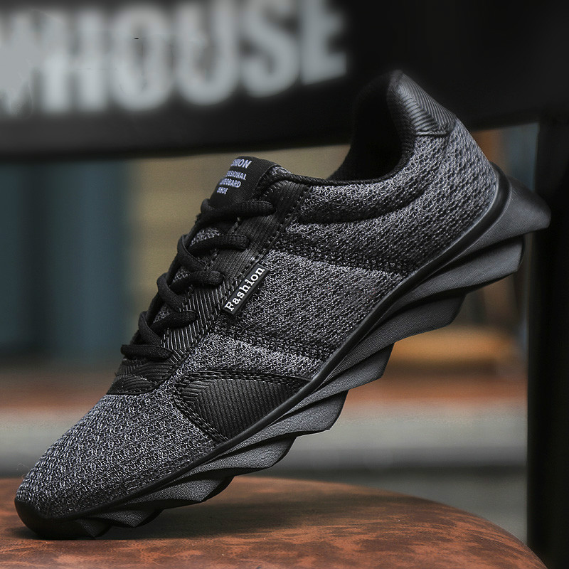 Hot Sale 2020 New Light  Running ShoesBreathable Casual Men Sport Shoes Breathable Antiskid And Abrasion Resistant Sneakers