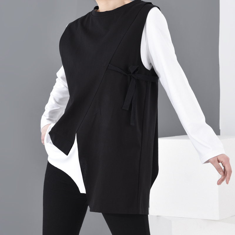 [EAM] Women Black Contrast Color Asymmetrical Big Size T-shirt New Round Neck Long Sleeve  Fashion  Spring Autumn 2021 1D19201