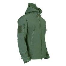 SoftShell Men Outdoor Winter Hiking Jackets Three-in-one Keep Warm Waterproof Quick-Dry Windproof Jacket Camping Trekking Coat цена в Москве и Питере