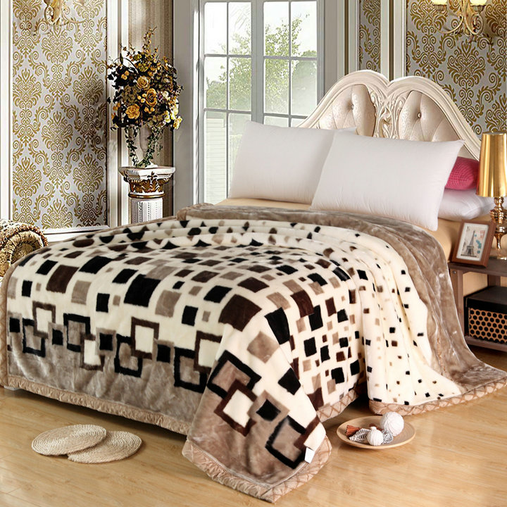 Throw Blanket Micro Plush Fiber Fleece Rug Sofa Bed Decor Micro Queen Size Bed Blanket Very Warm Machine Washable Comfort