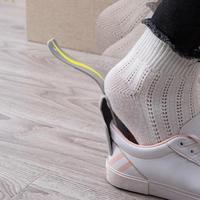 1pc paresseux chaussure corne unisexe chaussures porter aide coloré chausse-pied facile sur et hors chaussure robuste Slip Aid chaussures accessoires
