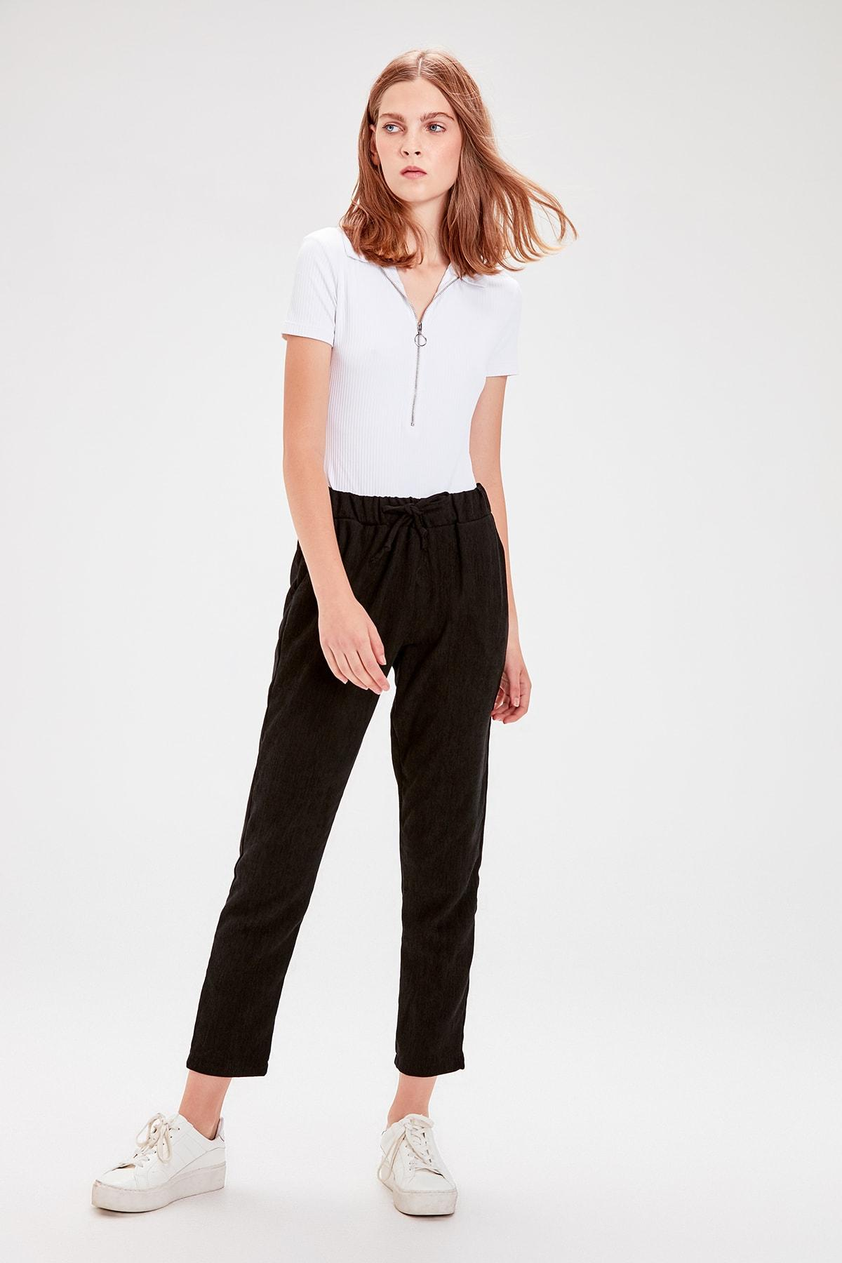 Trendyol Black Lacing Detaylı Pants TWOAW20PL0195