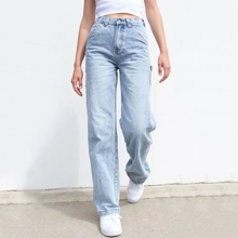 Women High-rise Relaxed Fit Denim Jeans With 7 Pockets And Hammer Loop Detail