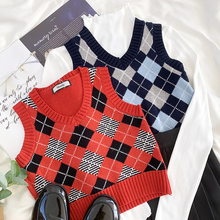 Mooirue Vintage Spring Women Knitted Vest Plaid Sleeveless Red Black Tops