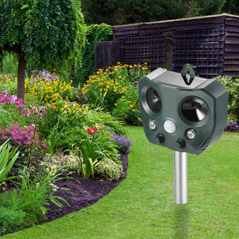 Outdoor garden solar ultrasonic anti-theft device waterproof animal repeller snake cat dog kangaroo raccoon anti-harassment tool