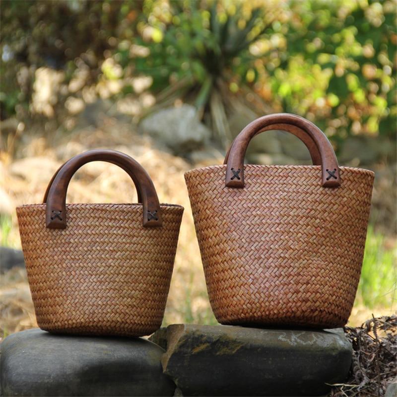 Handmade Wood Handle Straw Bag Vintage Woven Handbags Seaside Vacation Bag Rattan Bucket Bag