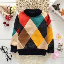 Теплый вязаный пуловер с геометрическим рисунком для мальчиков
