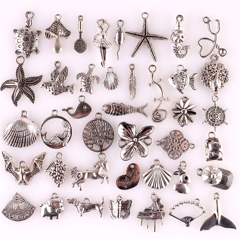 Key Charm//Pendant Tibetan Antique Silver 47mm  5 Charms Accessory DIY Jewellery