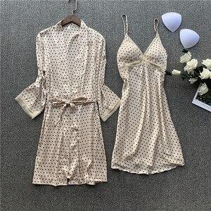 Image 2 - מודפס מנוקדת גברת קימונו חלוק שמלת סאטן סקסי Loose כלה חתונה חלוק סט סקסי תחרה לקצץ חתונה הלבשת חליפה