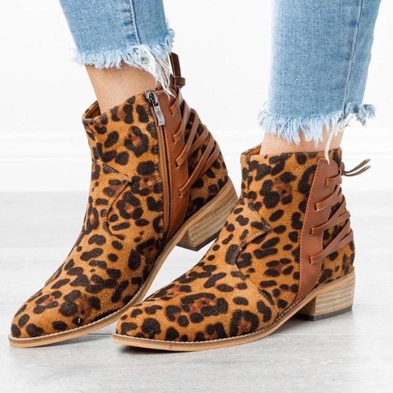 womens-edgy-laced-up-back-booties-arider-girl-shoes-chole-x-ankle-boots_799_grande-webp-jpg-1563161711610_6b9d9e03-50fa-4faa-8134-ab8e4aedb6de_800x800.webp_看图王