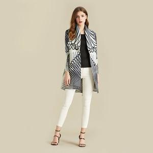 Image 4 - Lanmrem listra branca manga longa grande lapela plissada mulher cardigan fino jaqueta casual simples moda 2020 outono casaco novo tv586