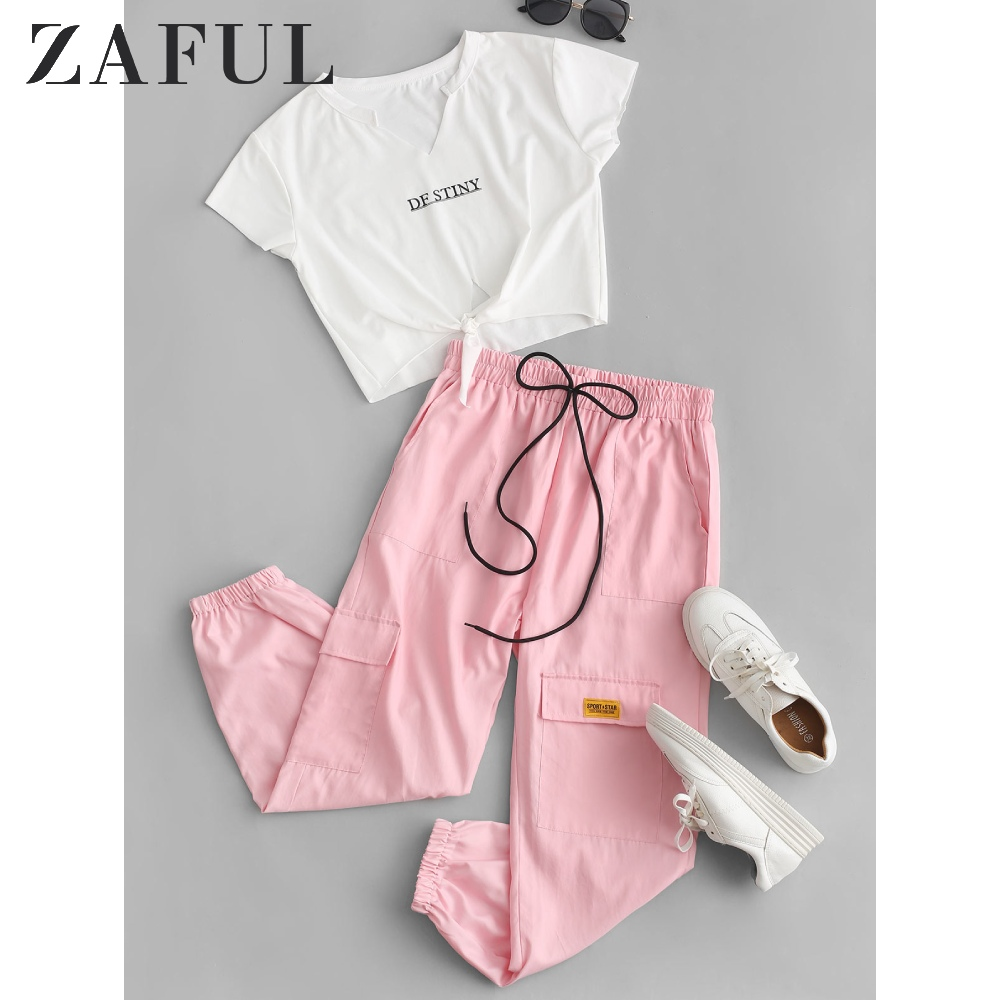 ZAFUL Letter Crop Tee And Jogger Pants Set Knotted V Neck Short Sleeve Tee High Waist Pockets Patched Pants Pink Two Piece Suit