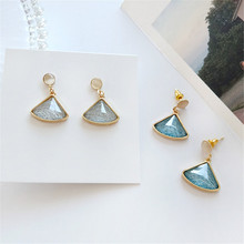 Womens fashion earrings delicate metal Unique design geometry gold Ms. Decorative gifts wholesale
