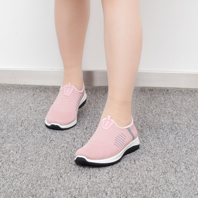 Women Flat Shoes Knit Woman Casual Slip On Vulcanized Shoes Female Mesh Soft Breathable Women's Footwear For Ladies Sneaker