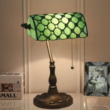 Tiffany Retro Stained Glass Desk Lamp European Creative Bar Cafe Western Restaurant Bedroom Table Lamp(China)