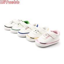 2019 noworodka buty dla dzieci dziewczyny dzieci Pu Sneaker miękka podeszwa wygodne maluch buty dla chłopców mokasyny dziecięce buty dla dzieci tanie tanio MiYuebb Pasuje prawda na wymiar weź swój normalny rozmiar Wiosna jesień Hook loop 0-1 M 10 m 16 M 17 M 18 m 19 M Przypadkowi buty